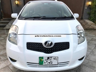 Toyota Vitz 2006 For Sale At Lahore